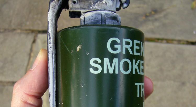 SmokeGrenade1